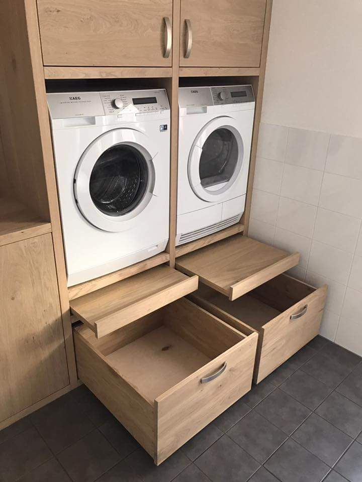 Like the pull out platform/shelf for loading and unloading, setting basket down, etc. Also the large drawers at bottom. Machine units look to be at a really accessible height. #amenagementmaison