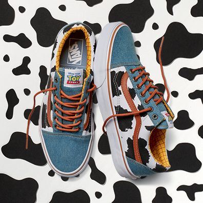 Vans Toy Story Woody amarillo