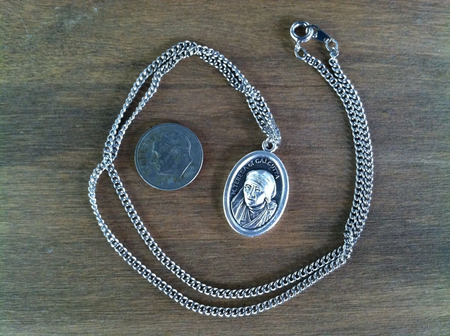 Mother teresa of calcutta holy medal necklace catholic