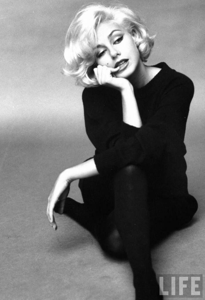 Citaten Marilyn Monroe Chord : Marilyn monroe love the neck line on jumper wish they