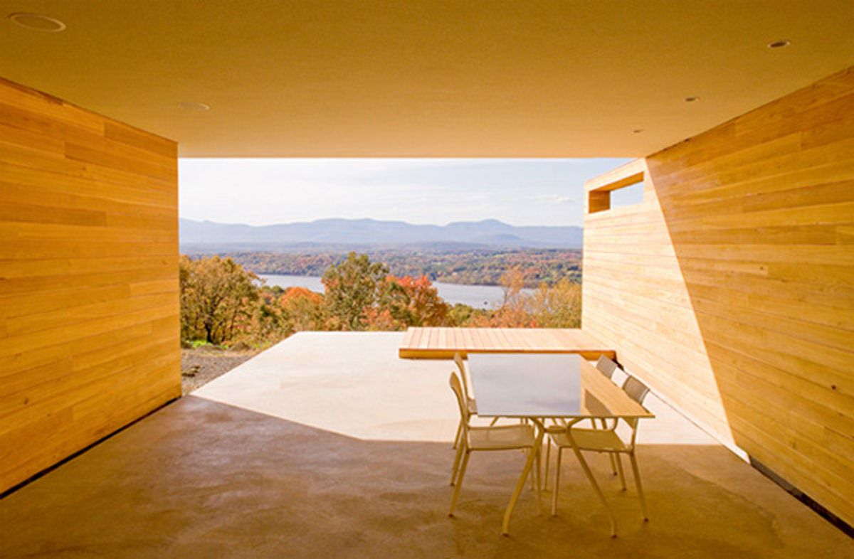 Mt.Merino Perched Cedar Clad House Is Inviting Great Pictures