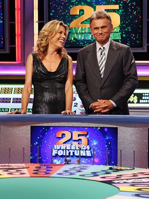 Wheel Of Fortune Game Show Wheel Of Fortune It S The Longest Running Syndicated Game Show Game Show Tv Show Games Wheel Of Fortune Game