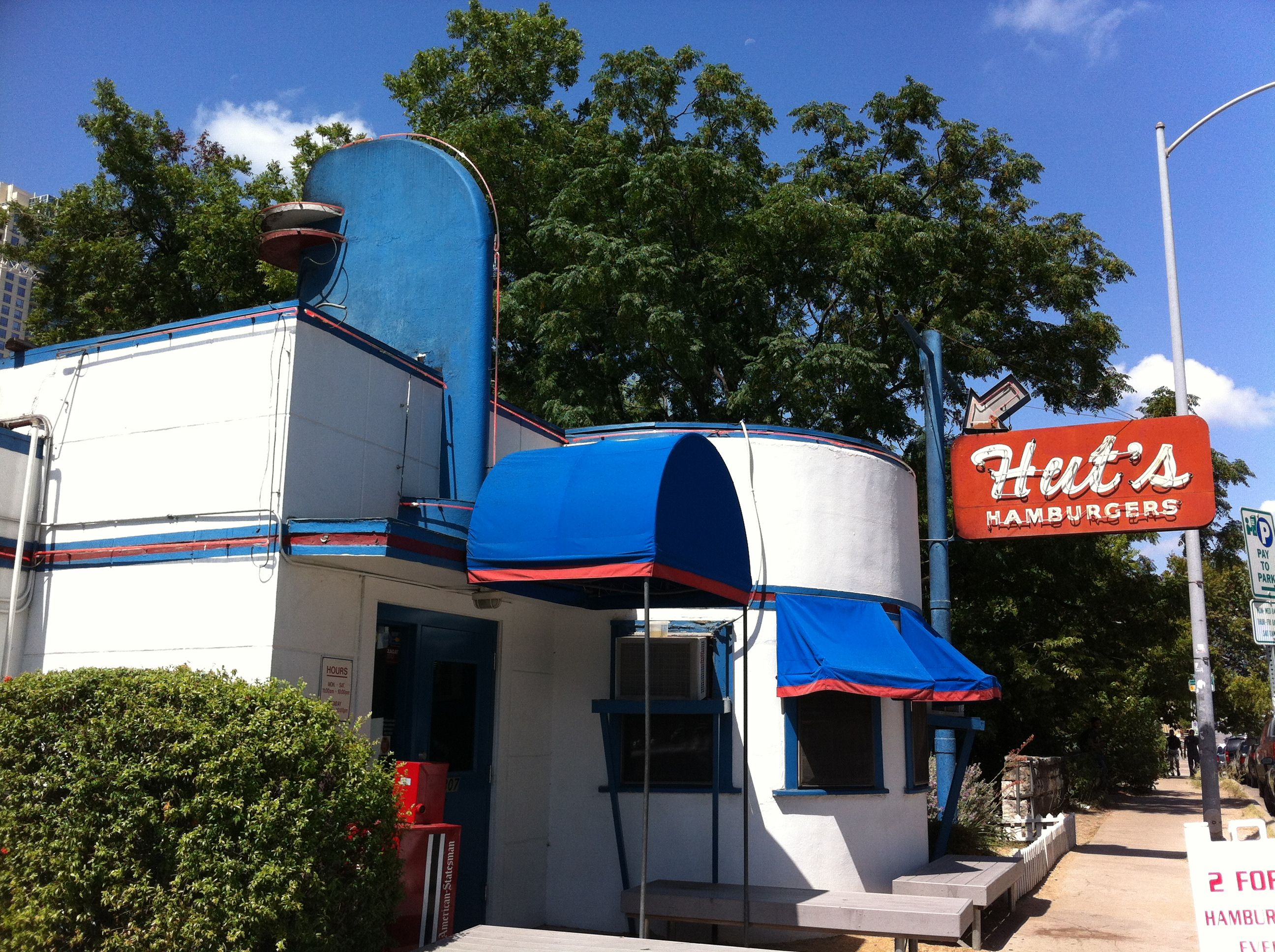 Hut S Hamburgers Weekend In Austin Cando Things To Come