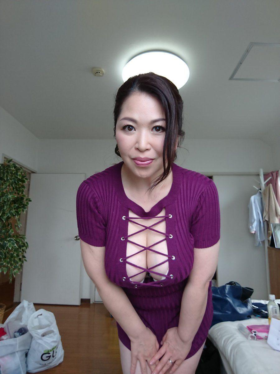 加山なつこ 淫乳若妻もっとおしえて[ビデオ] | 加山なつ子 |本 | 通販 | Amazon