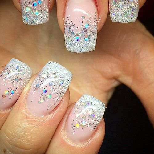 Love This Natural Nail With The Sparkle Tip Diseños De