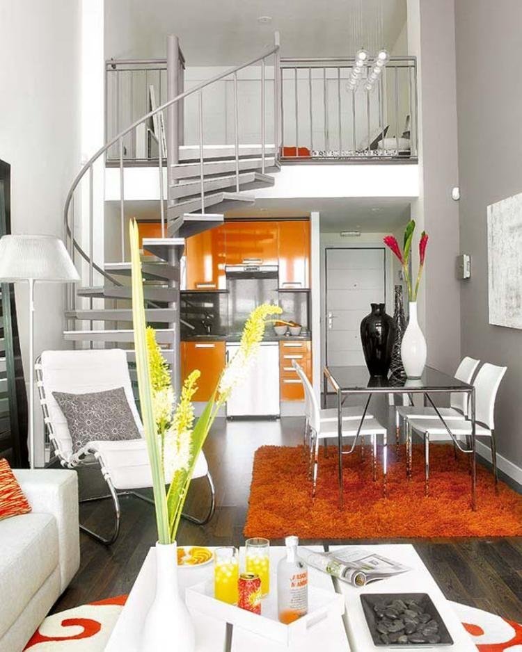 Aménagement Petit Espace Avec Un Lit Au Deuxième étage, Coin Repas Et Coin  Lounge Au