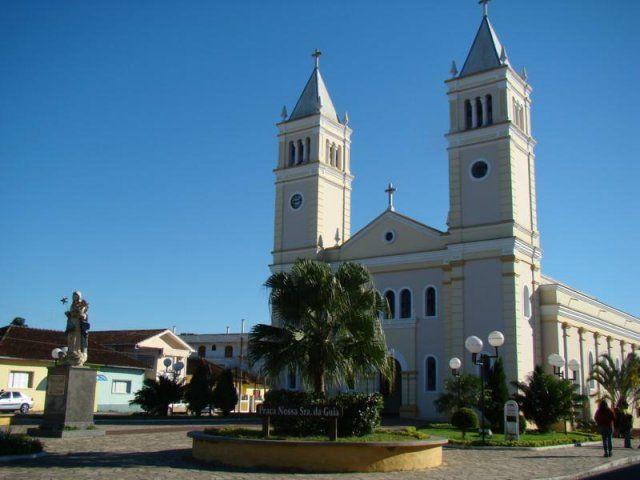 Igreja nossa senhora daguia em Eldorado-SP no Vale do Ribeira Viste o Site http://www.ovaledoribeira.com.br/ e conheça mais sobre a região.