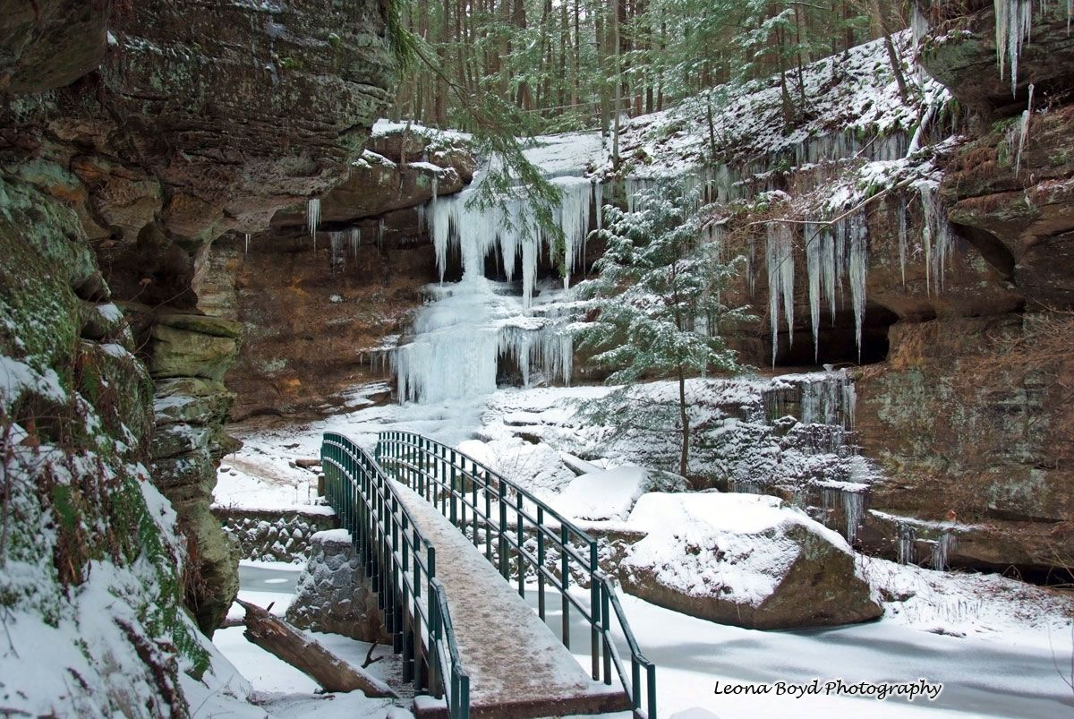 Man Cave Fort Nelson : Old man's cave in winter! places remembered and to dream
