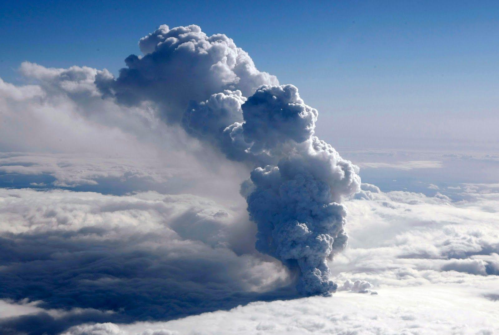 Eyjafjallajökull Volcano Eruption | Super nature | Pinterest ...
