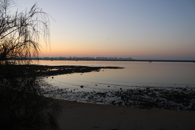 amanecer en la playa de puerto sherry en El Puerto de Santa María
