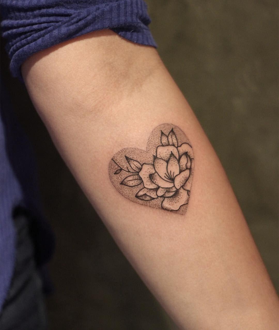87eda805a7022 Valeu @roberta.fernandess 🖤 | Tattoo idea | Tattoos, Animal tattoos ...