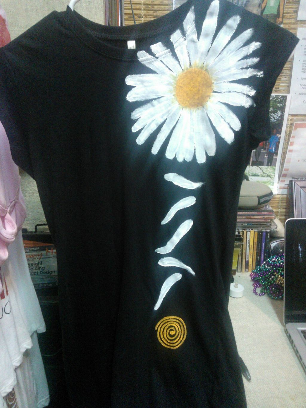 New daisy tee!