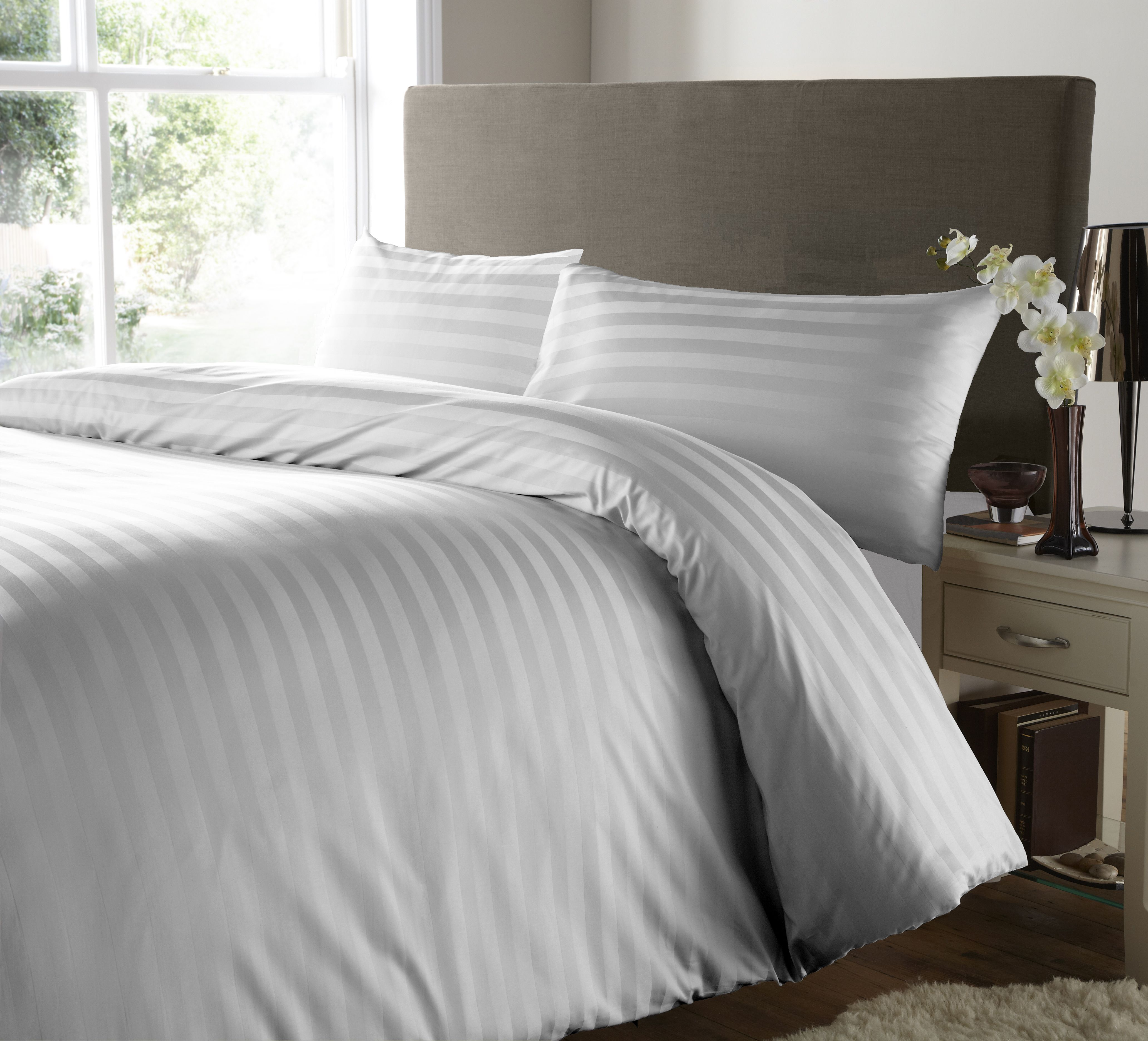 Hotel Quality 200 Thread Count Egyptian Cotton, Satin