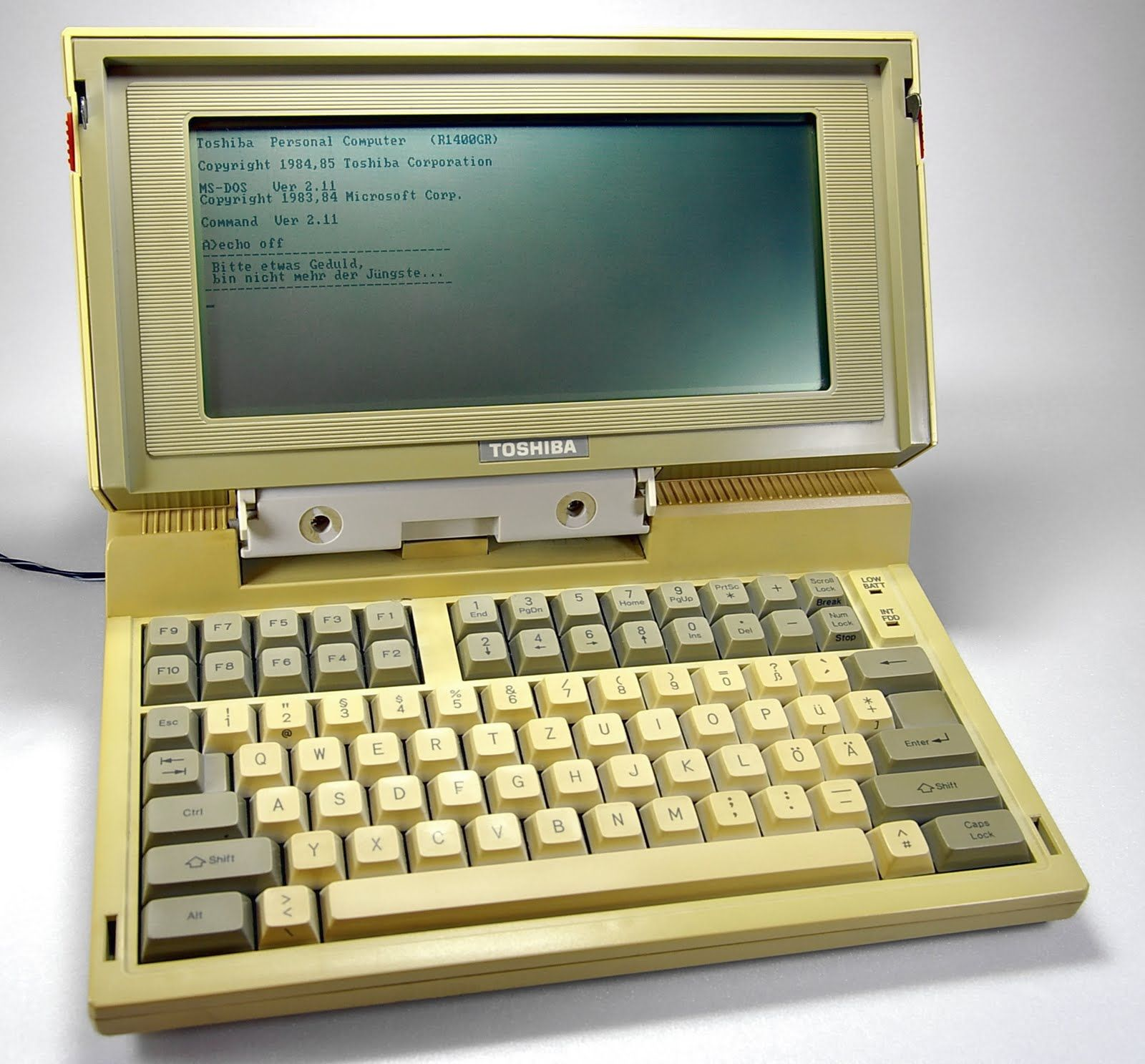 World S First Laptop 25 Years Old And Still Running Toshiba Laptop Toshiba Old Computers