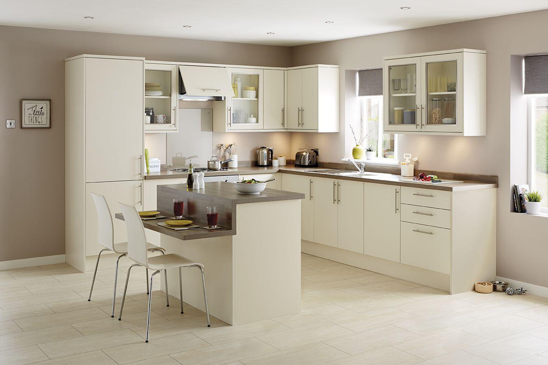 The Greenwich Ivory kitchen balances smart modern design elements ...