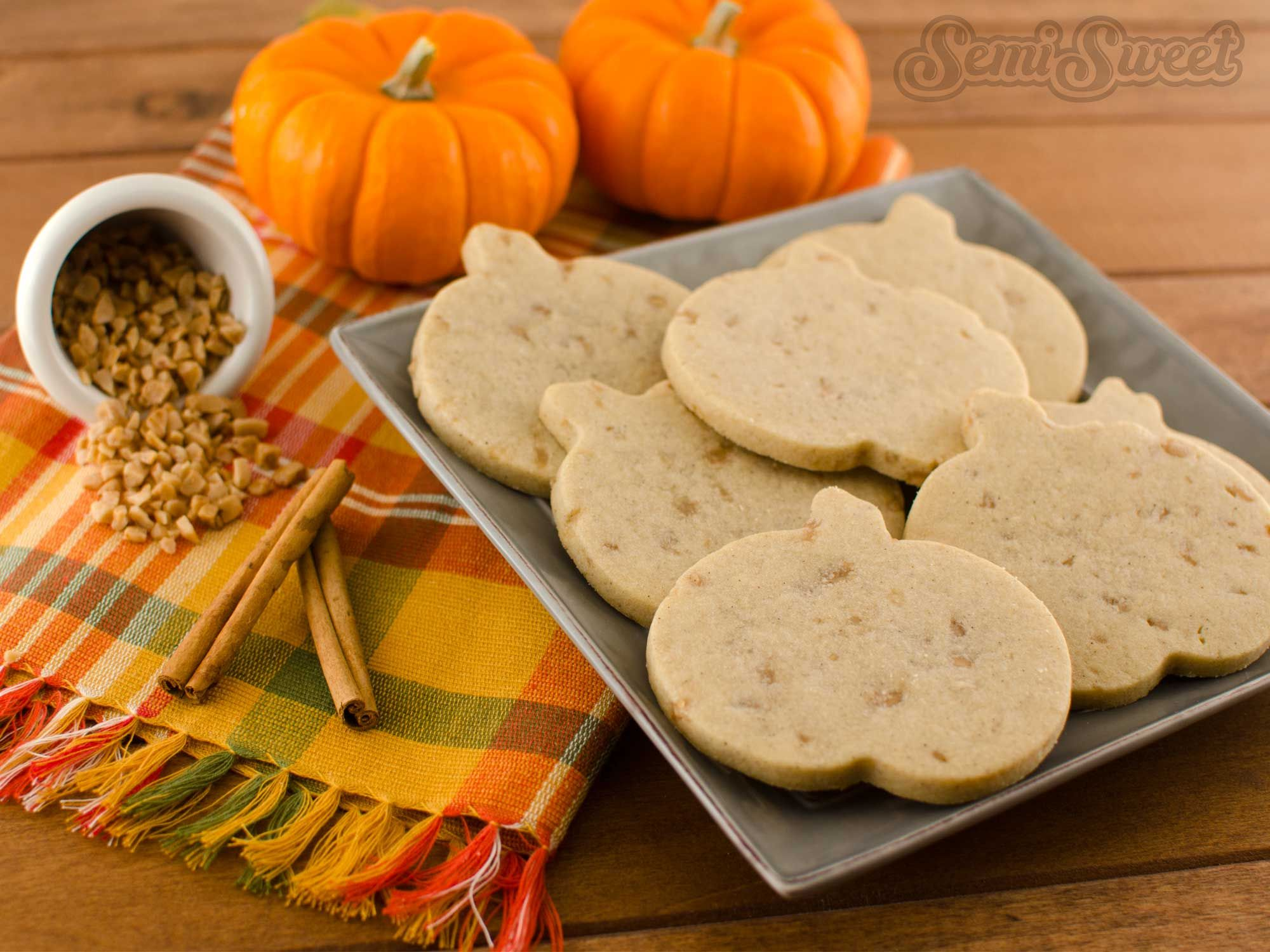 Pumpkin Spice Toffee Roll-Out Cookie Recipe #sugarcookies