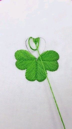 This tutorial shows how a simple satin stitch can be used to fill in the petals of flowers. I am using 4 strands of DMC floss and stitching… - craftIdea.org