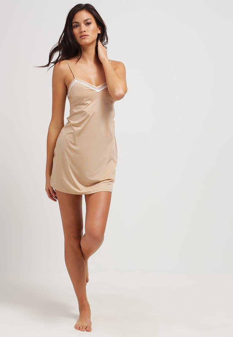 71ba068ed28f ¡Consigue este tipo de camisón de Calvin Klein Underwear ahora! Haz clic  para ver