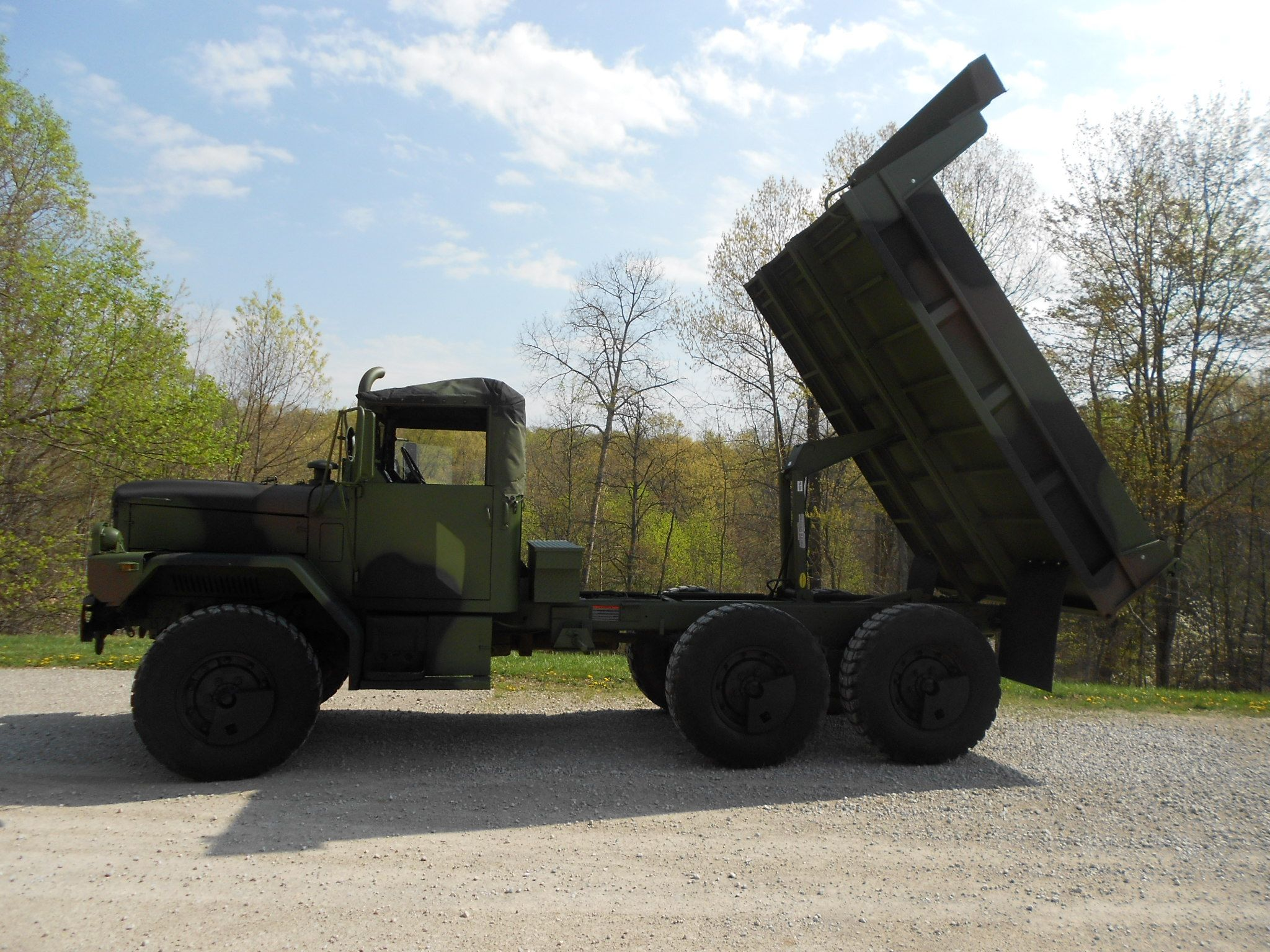 M35A2 with dump bed  | Dump trucks, 6x6 truck, Military vehicles