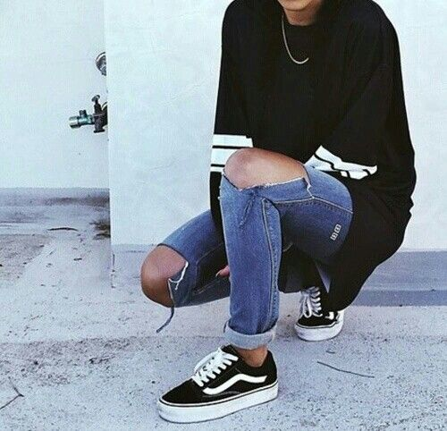 Vans and jeans w sweater | Fashion, Old skool outfit, Casual