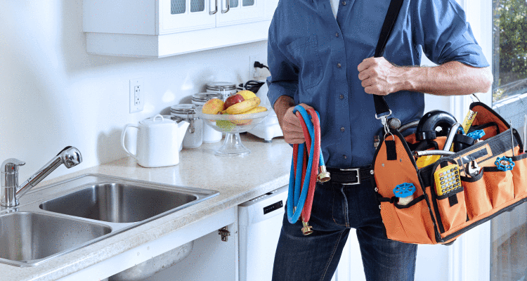 Who Should You Hire? When You're Looking For A Plumber. in