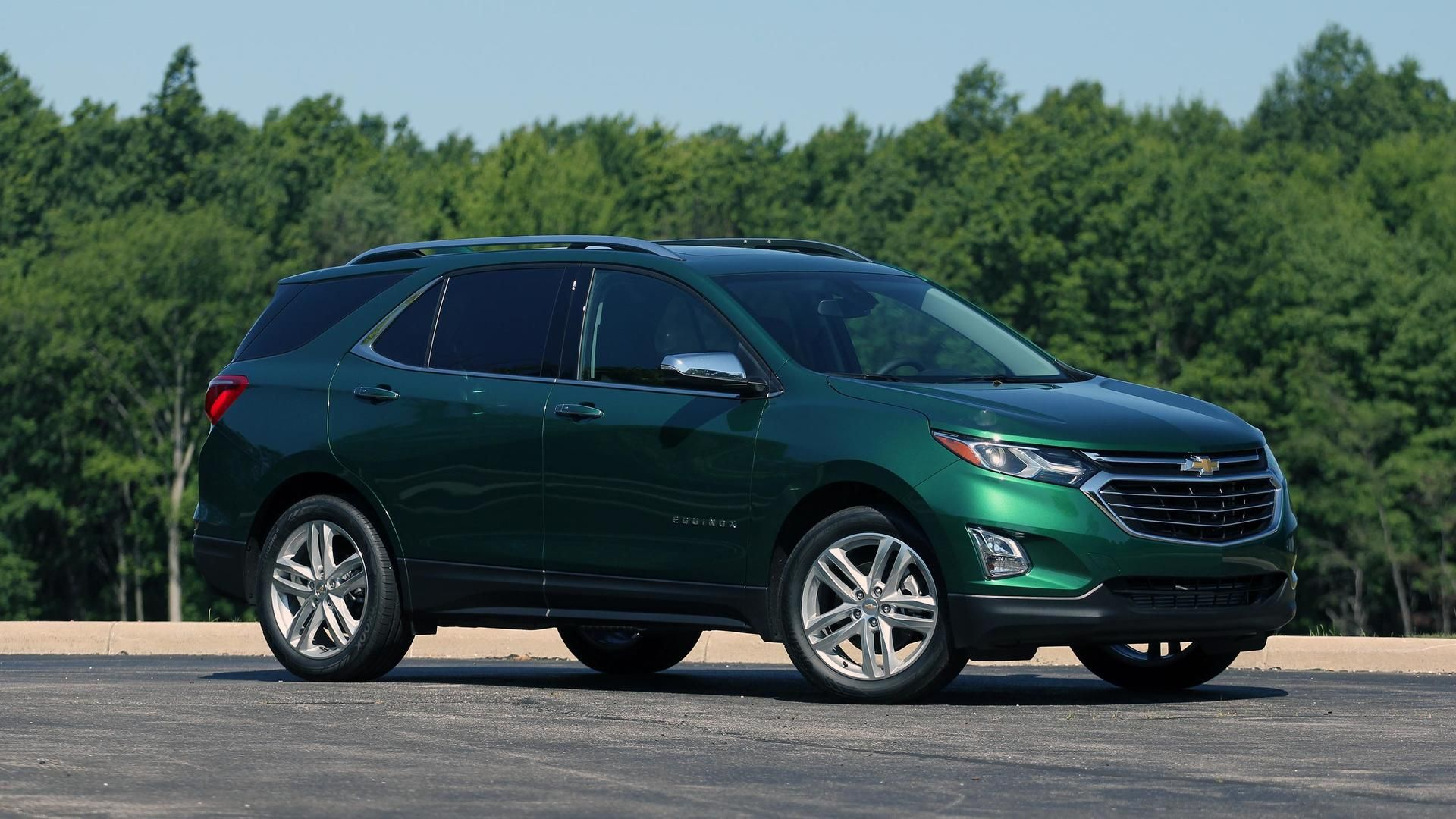 2018 Chevy Equinox Green With Special Offer Price At Chevrolet Houston Tx Chevy Equinox Chevrolet Equinox Chevrolet