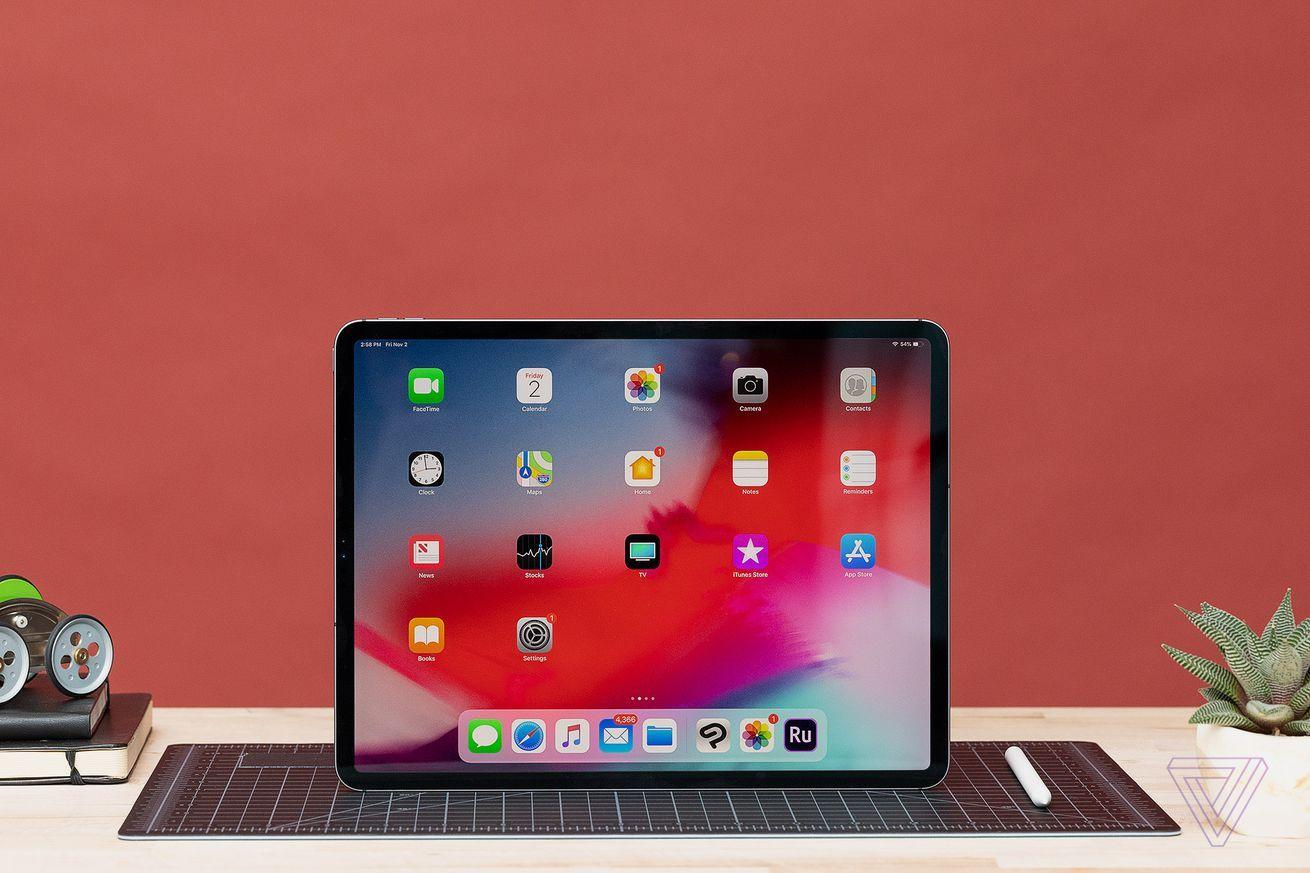 Apple updates iMovie, GarageBand, iWork, and Clips as new