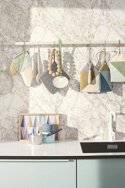 accessori da cucina e la carta da parati Marble di ferm-LIVING ...