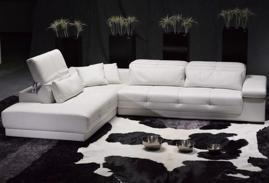 Furniture L Shape White Leather Sofa With Plant Accessories Determining The Stunning Sofa For Sale With The Origin Decoracao Decoracao De Interiores Interiores