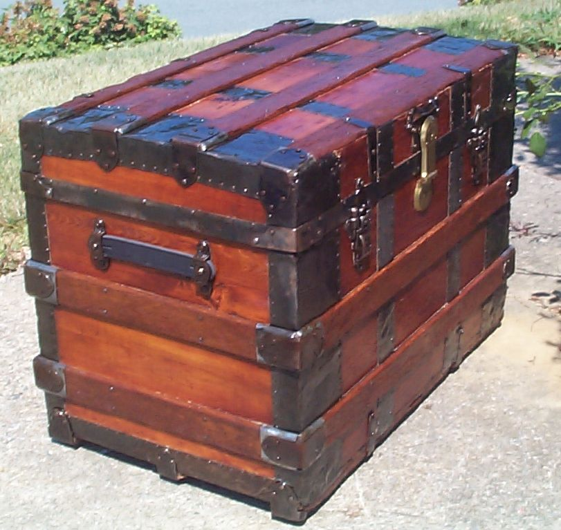849 Restored Antique Trunks And Steamer Trunks For Sale Dome Tops Humpbacks Flat Tops And Roll Tops Avail In 2020 Antique Trunk Antique Steamer Trunk Trunks For Sale