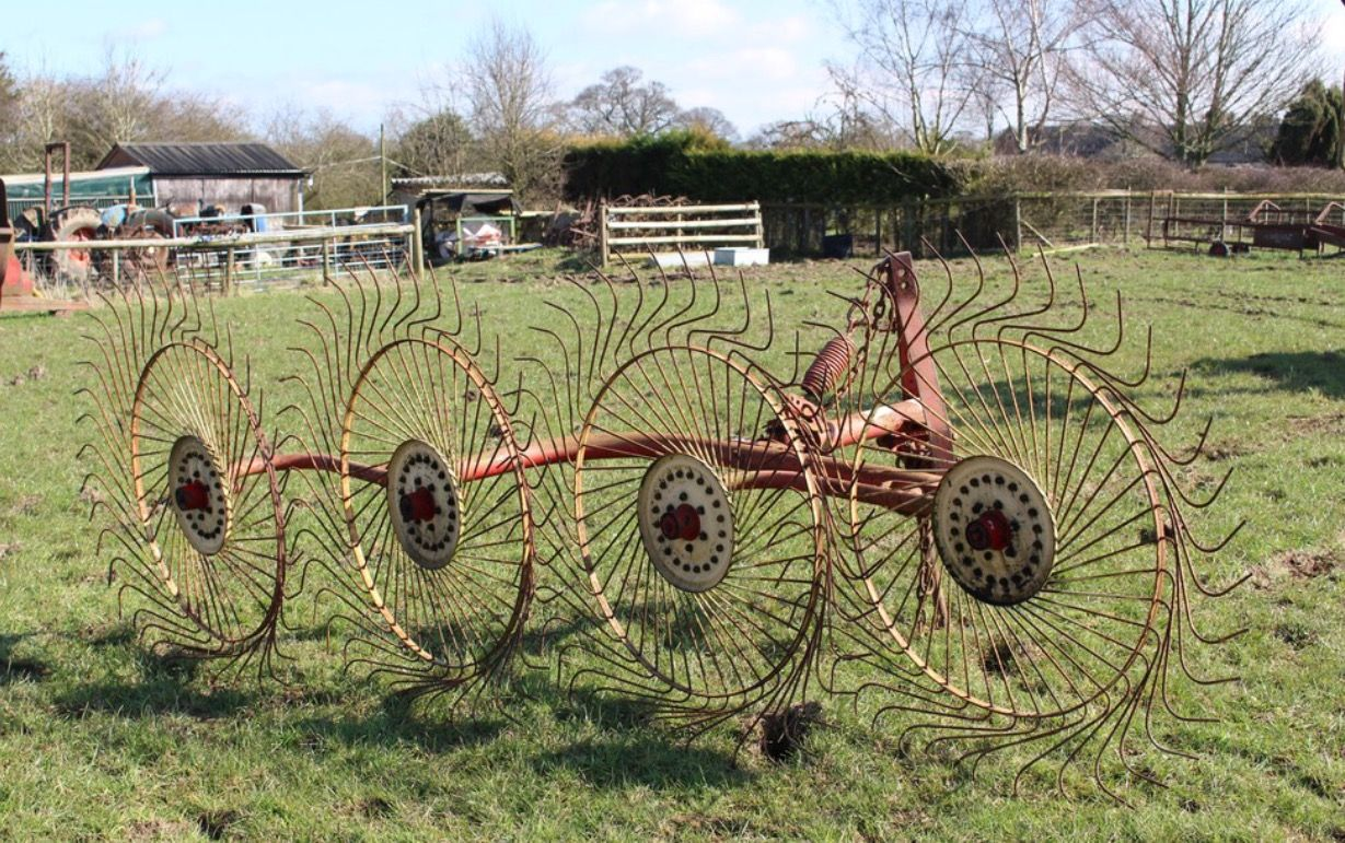 Vicon Lely Acrobat hay turner | Rural things | Guns, Cannon, Acre