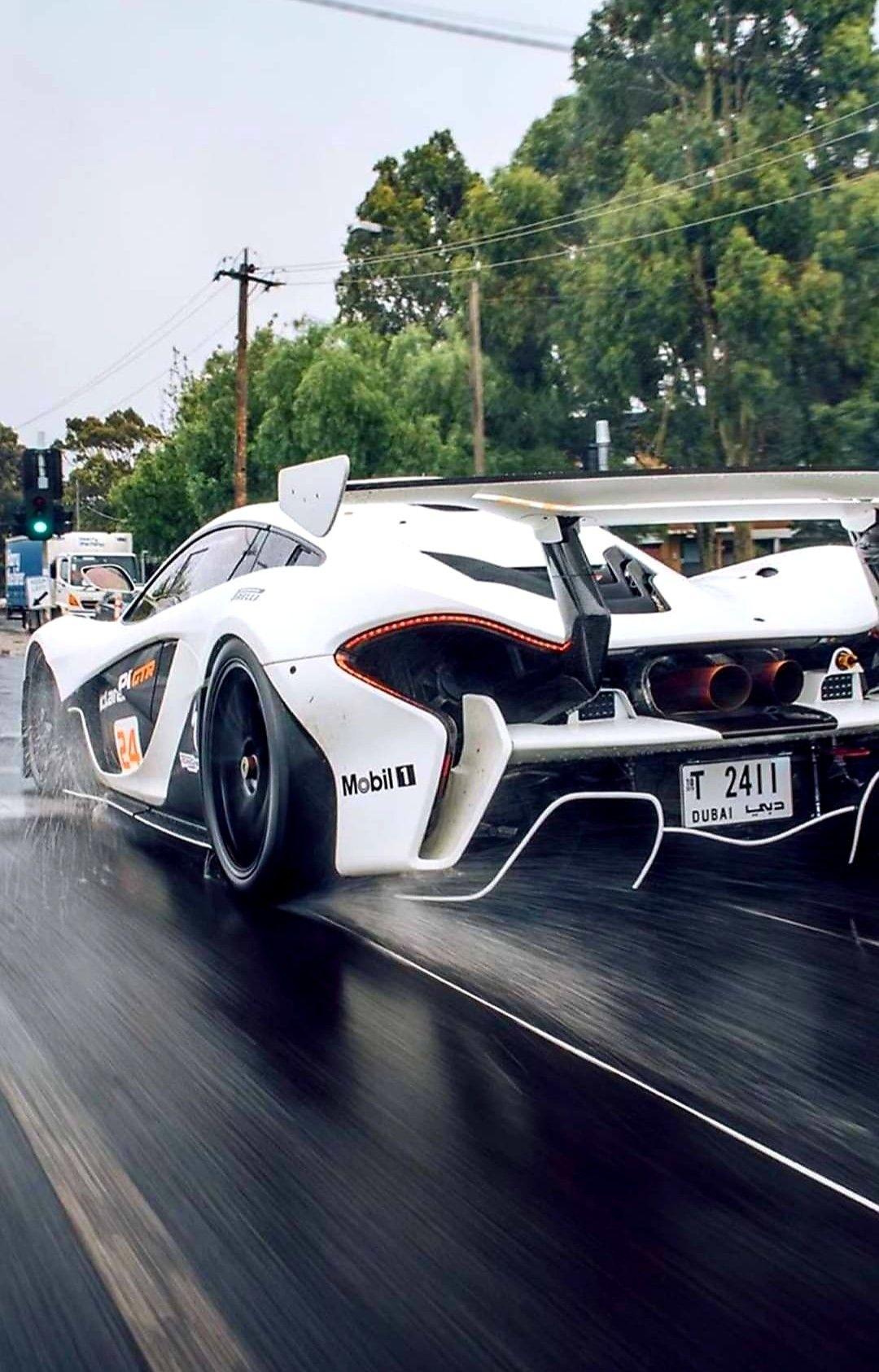 Pin By Daniel Ramirez On Luxusautok In 2020 Sports Cars Luxury Super Cars Lamborghini Cars