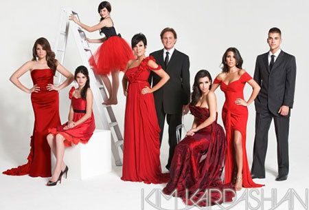 Kardashian Christmas Card Do You Think I Could Pull This Off With The Wagner Clan Kardashian Christmas Kardashian Christmas Card Kardashian Family Photo