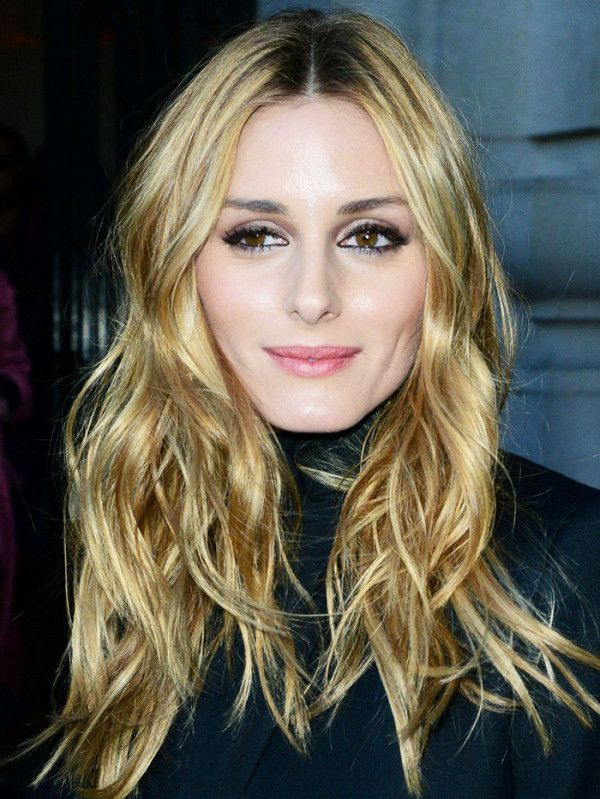 Best Hairstyle For Round Face 18 Hairstyles Round Faces Can Totally Pull Off  Round Face