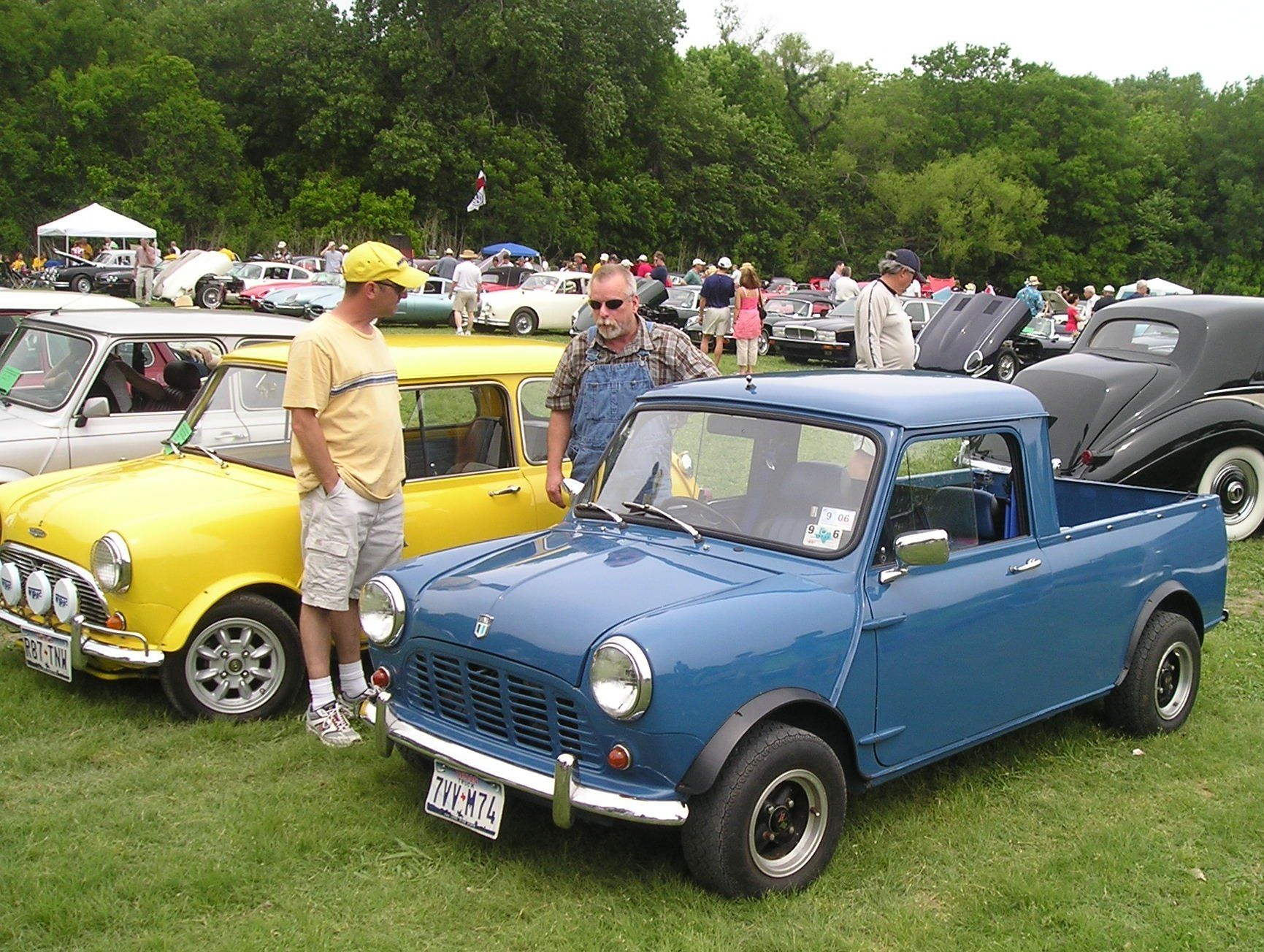 I would have a 1960s Mini Pickup to go with my tiny house Then