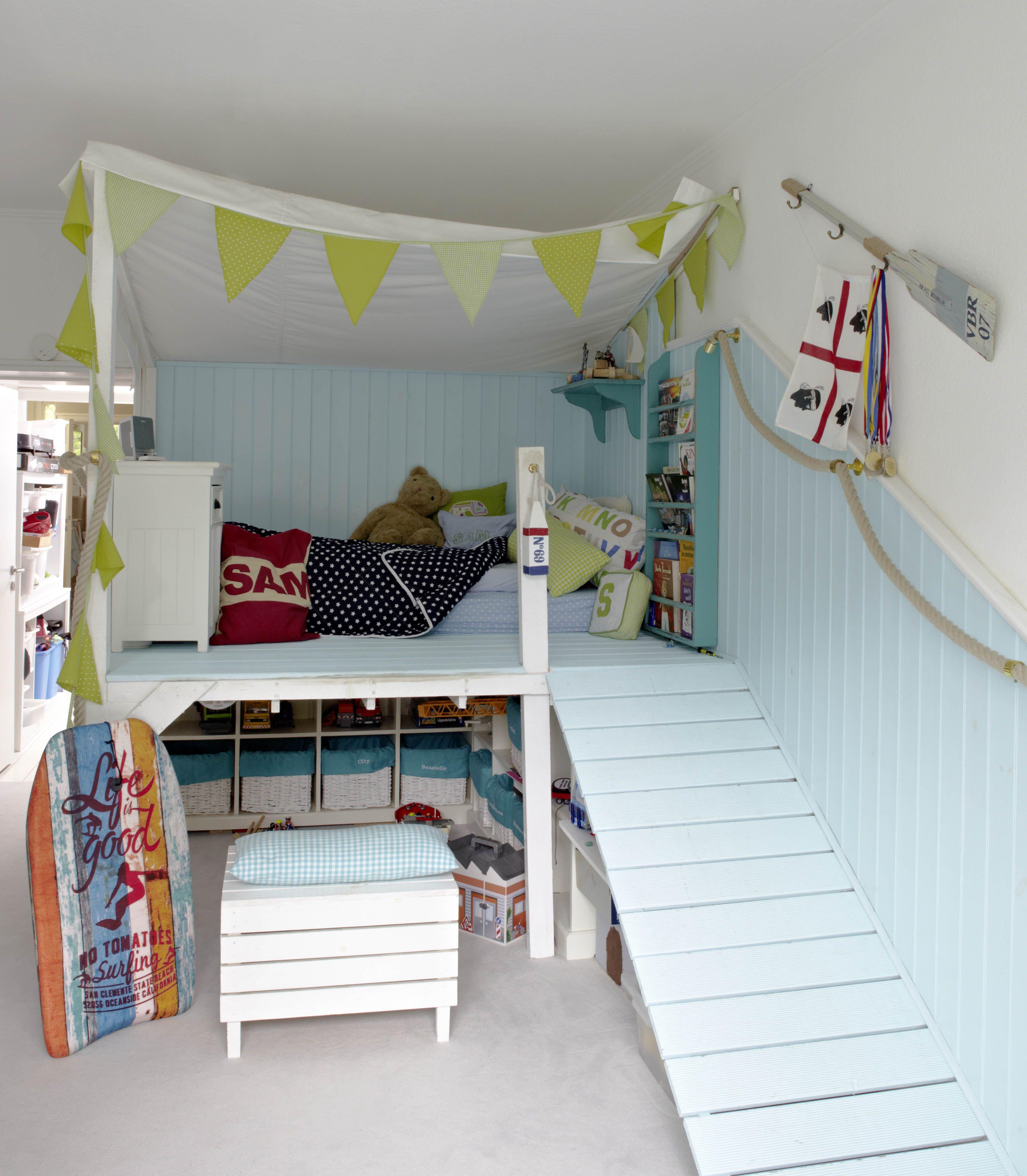 Ein Schlafzimmer Fur Unser Grosse Junger Surf Is Up Kinderschlafzimmer Schlafzimmer Jungs Jungszimmer Kinderschlafzimmer Surfer Zimmer Kinderbett Junge