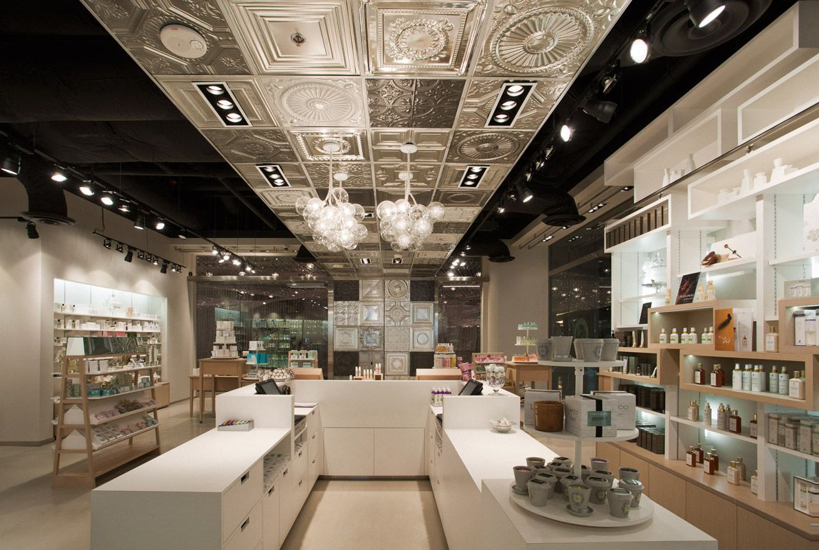 uxus was invited by dutch cosmetics retailer skins to design a us pilot store in las