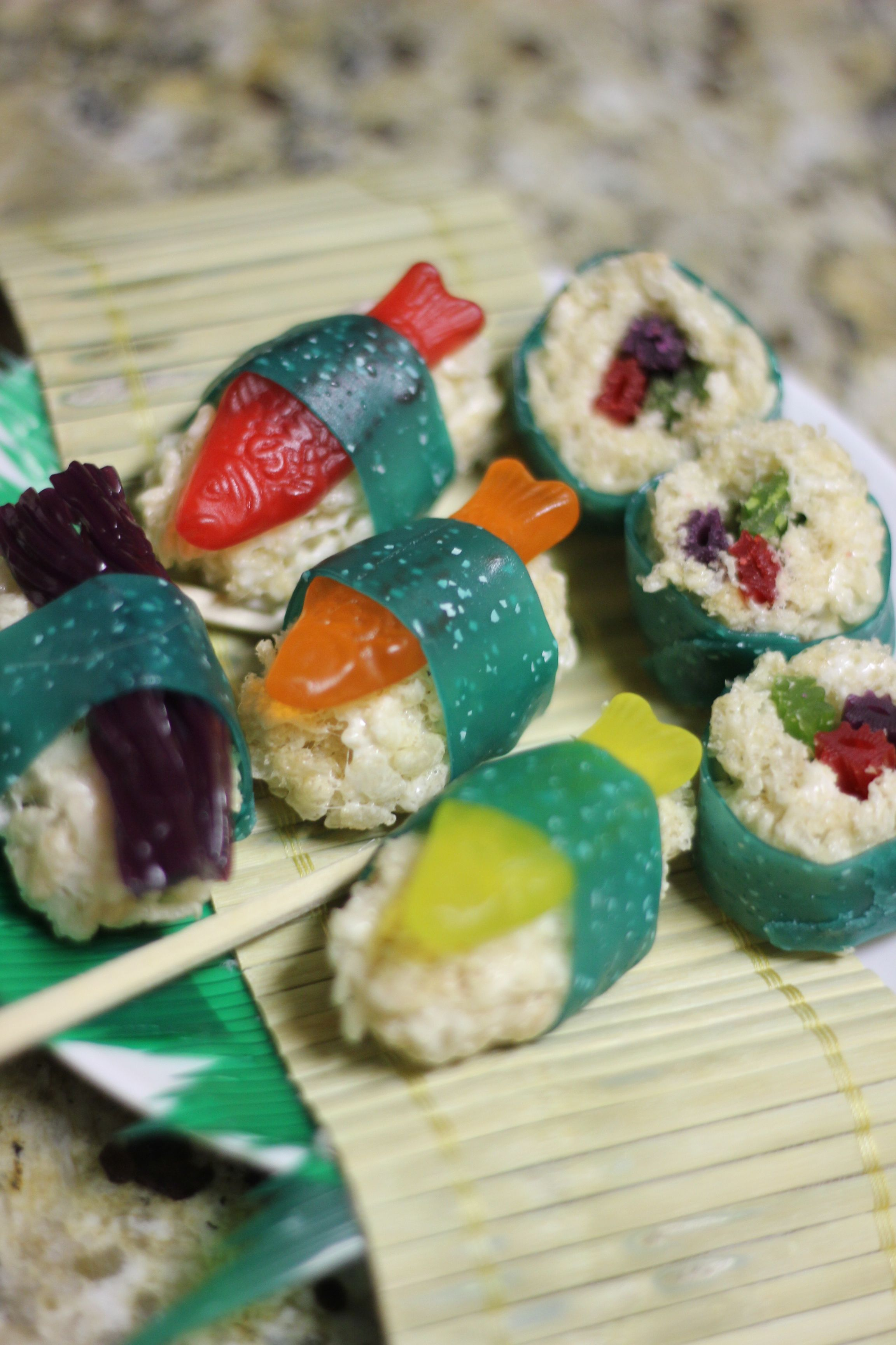 Candy Sushi! Swedish fish, Fruit roll ups, Twizzlers, rice krispie treats. Adorable.   # Pinterest++ for iPad #