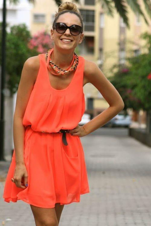 Orange and brown is an easy yet summery look.