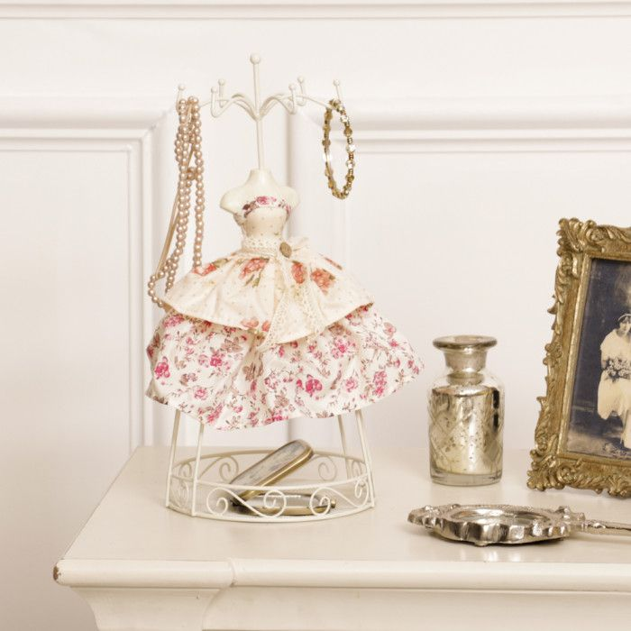Floral Decorative Mannequin Jewellery Stand