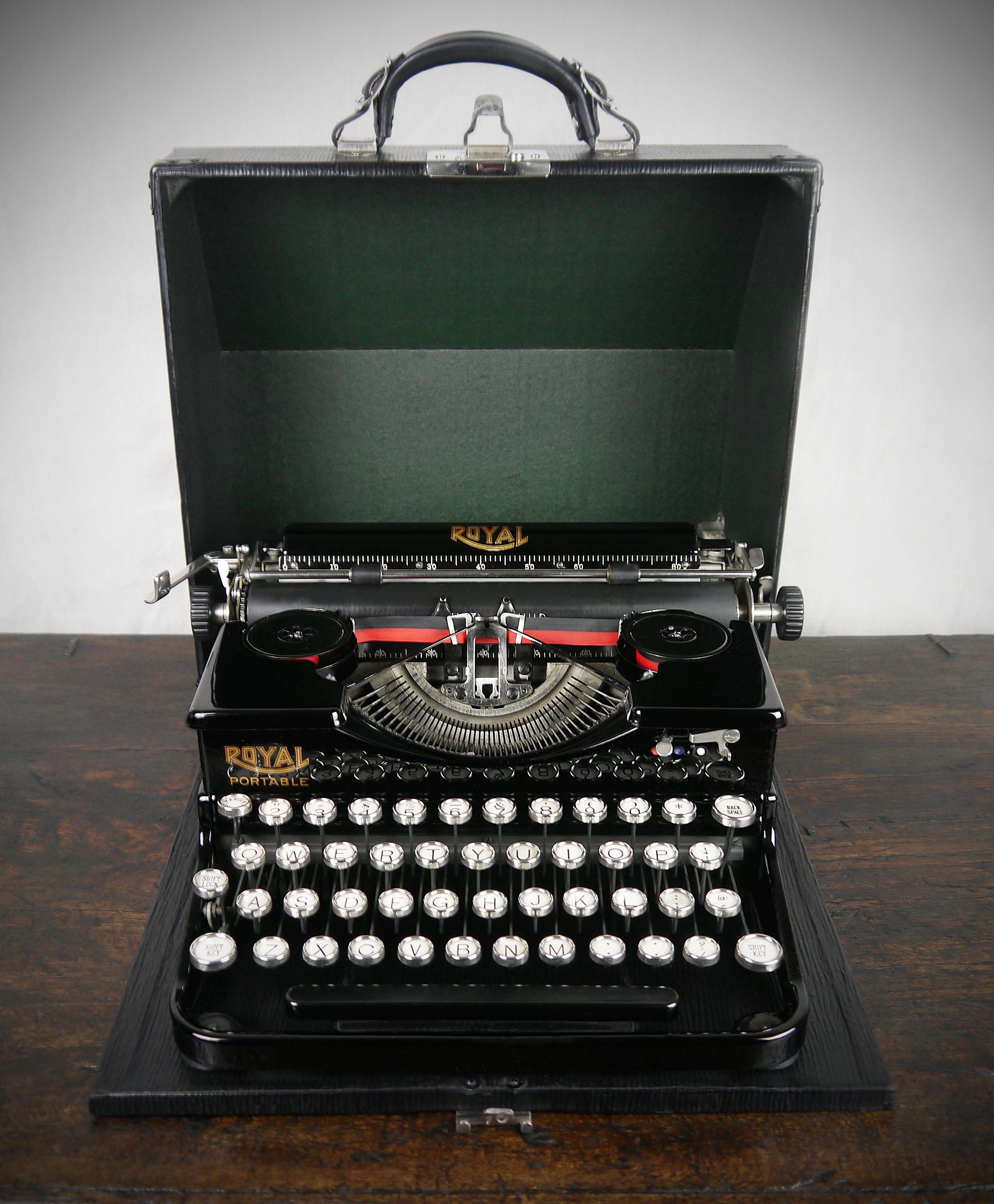 1920s Royal Portable Typewriter Stunning Mint Condition Rare Example Vintage Typewriters Typewriter Antique Typewriter