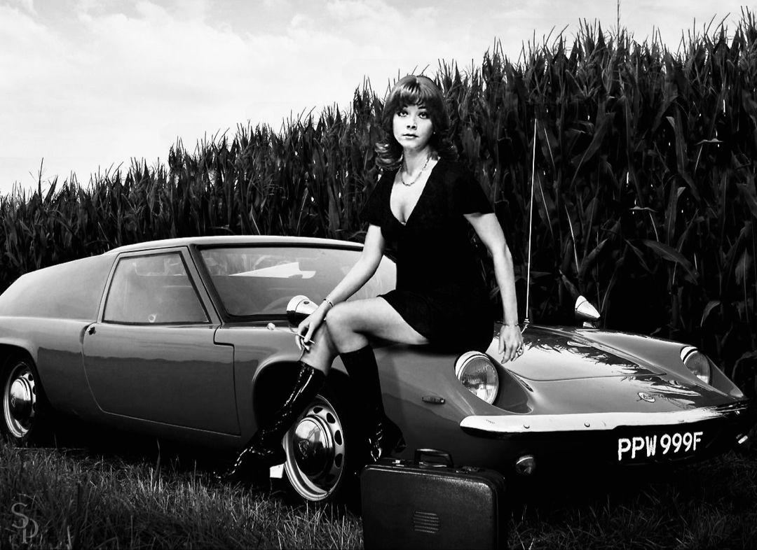 Linda Thorson in 2020 Classic cars british, Tv cars
