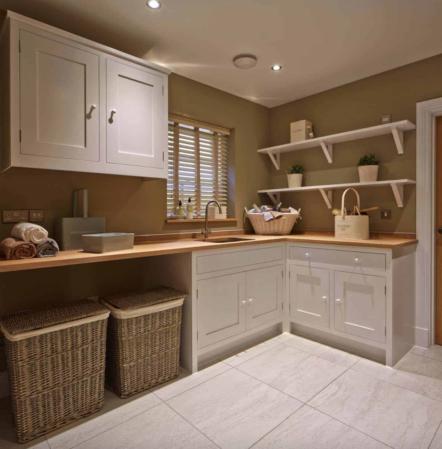 22 DIY Laundry Room Makeover with Farmhouse style di 2020