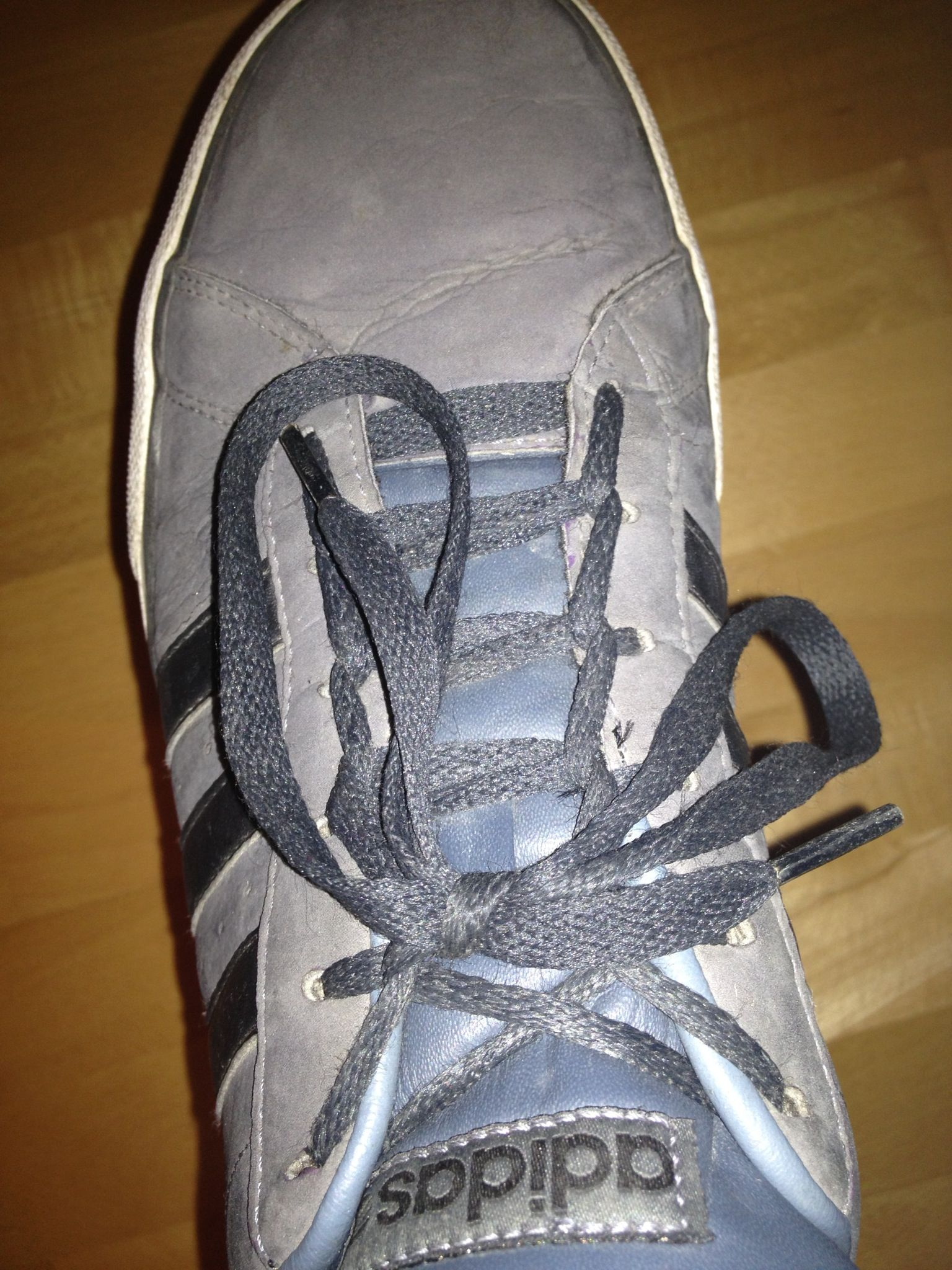 How To Tie Your Shoe In 5 Seconds