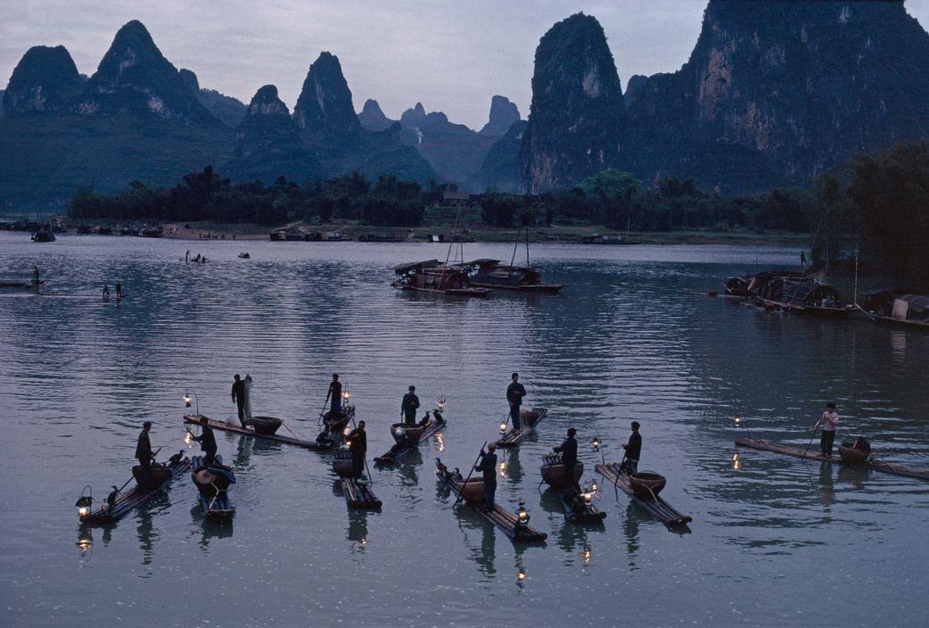 Xingping, in Guilin. The Li river, China 1980, Bruno Barbey.