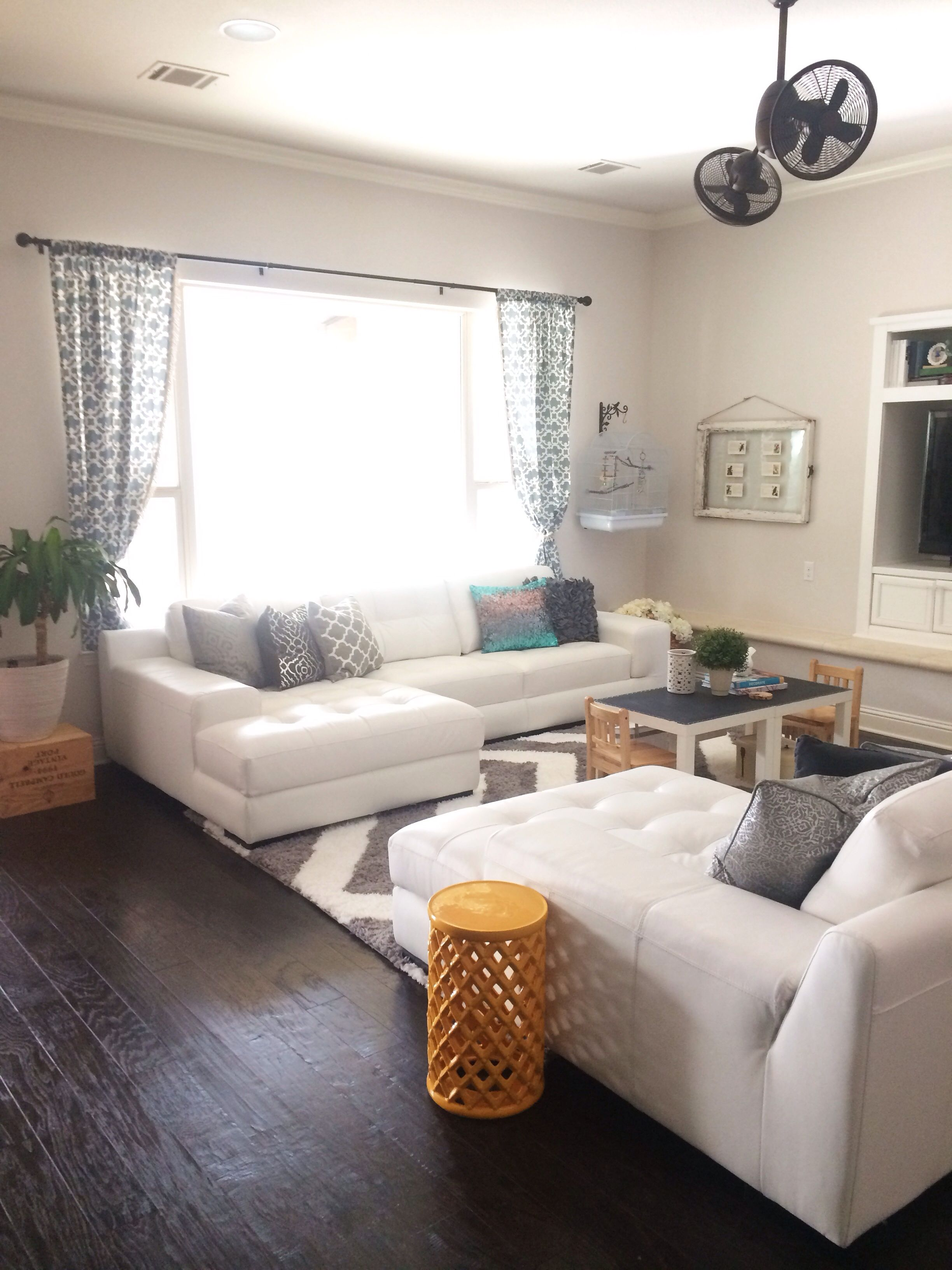 How To Decorate My Living Room With A Sectional Seating 2 Leather Sectionals Facing Each Other