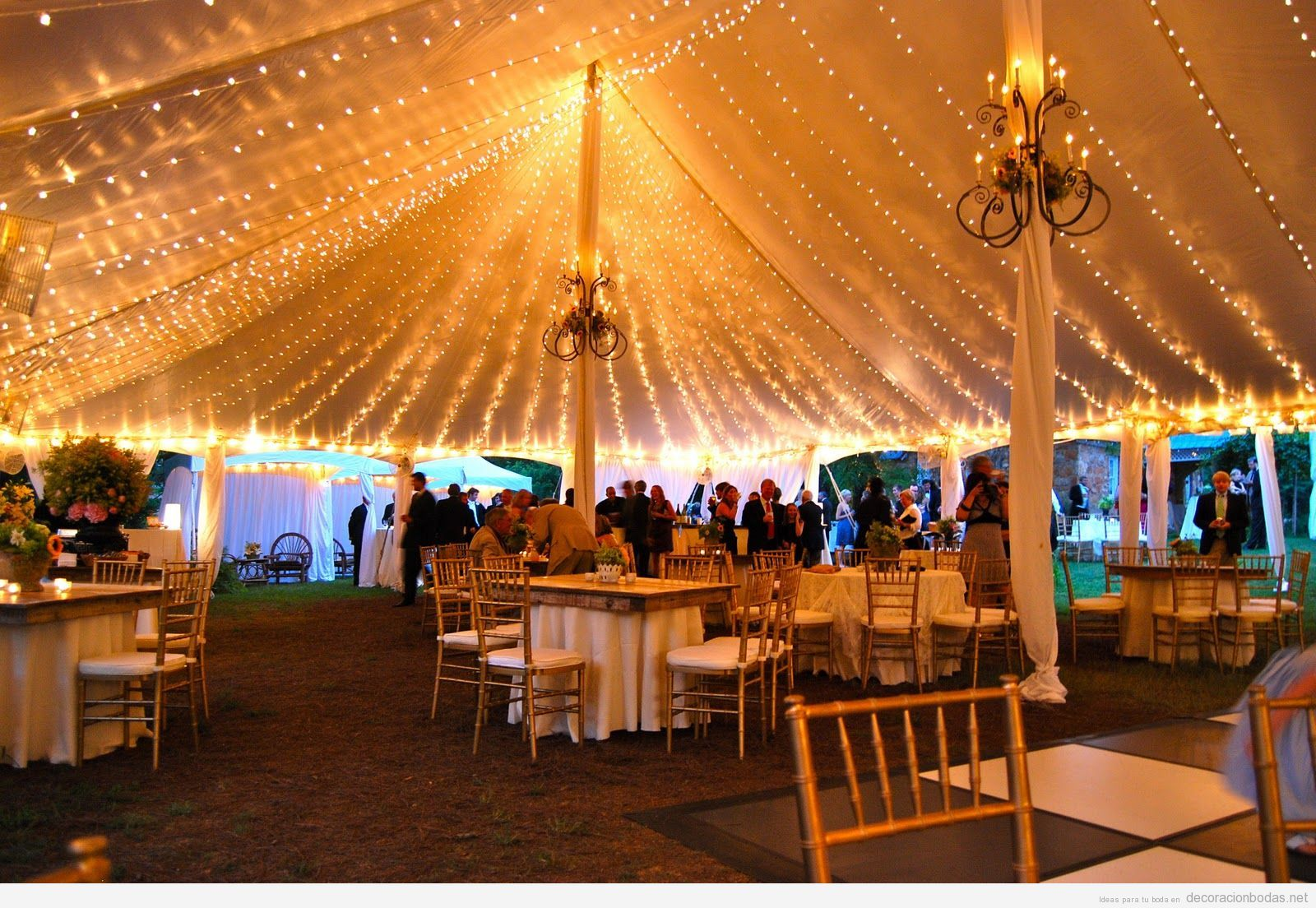 Decoraci n de boda carpa con luces novias 2 pinterest - Decoracion con luces ...