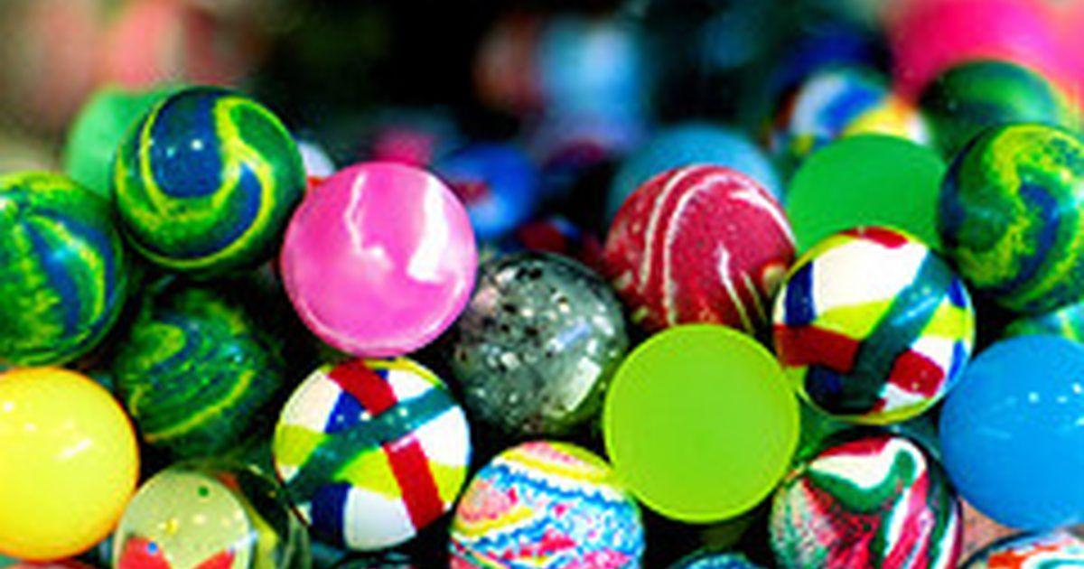Cómo hacer pelotas saltarinas con polímeros. Utiliza la química sencilla  para hacer una pelota saltarina d6a56f9bd997c