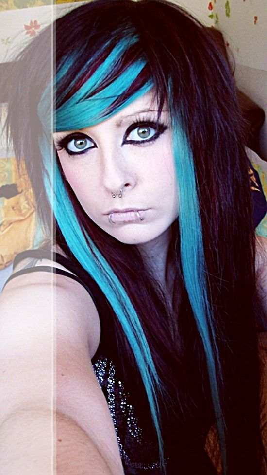 Emo Hair Emo Haircuts For Girls Feature Layers Of Varying Lengths