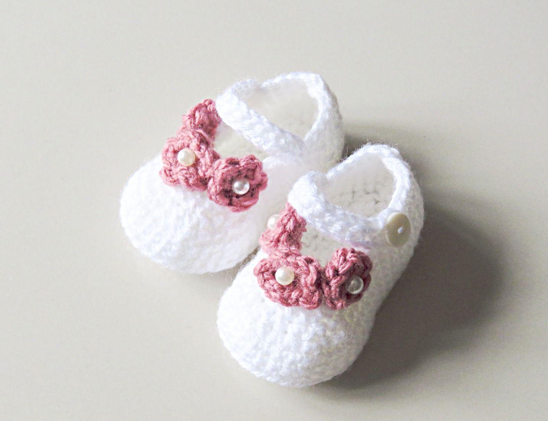 Pearl Flower Crochet Booties | Patucos | Pinterest | Tejido